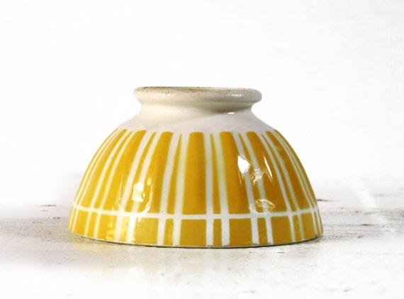 1 vintage YELLOW stripes -  DIGOIN  BOWL cafe au lait  - Shabby chic -