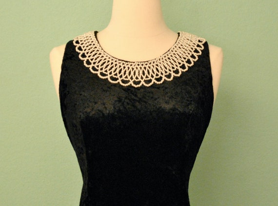 Flapper Style Black Velvet Dress with Pearl Collar - Crushed Velvet 80s Does 20s 30s 40s - Great for Halloween Costume or Dancing
