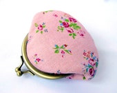 Made to order Coin purse Shabby chic rose Pastel pink Olive green Change purse Frame purse Kiss lock