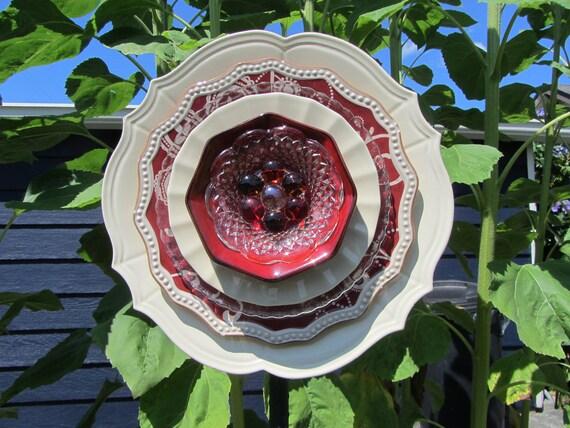 Glass Plate Art Decor for the Garden
