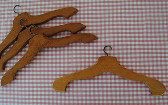 Vintage collection: set of 4 WOODEN SUIT HANGERS