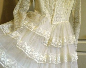 vintage wedding ...Short  VINTAGE WEDDING Dress  with ruffled back or Prom Grad ... vintage wedding