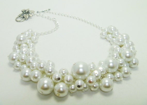 Pearl Necklace, White Pearl Necklace, Pearl Cluster Necklace, White Chunky Necklace, Pearl Cluster Necklace, White Cluster Bridal Necklace