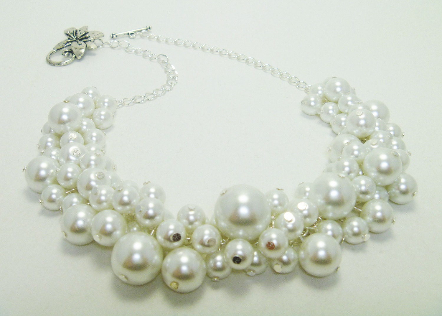 Pearl Necklace White Pearl Necklace Pearl Cluster by Eienblue