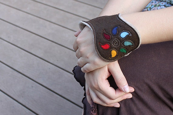 Felt Cuff Rainbow - Brown and beige Wrist Warmers, Bracelet, Embroidered with Cut Out showing Rainbow Colors