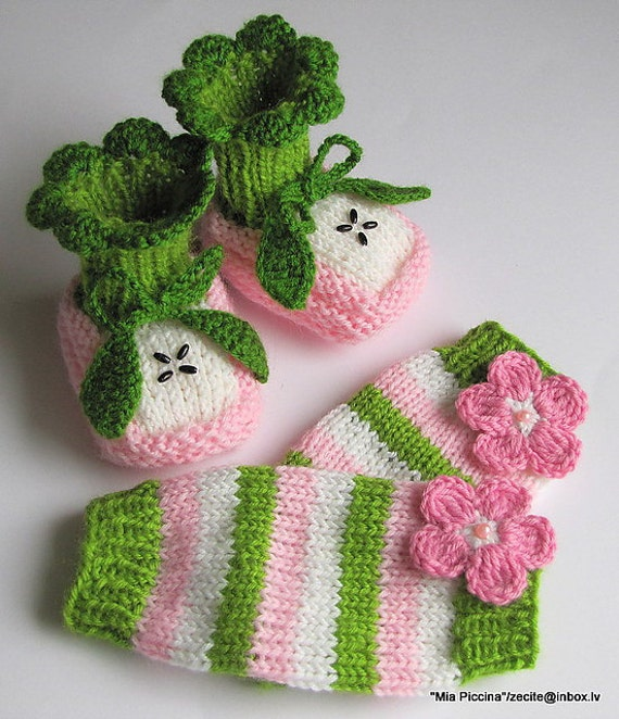 "Baby set ""Pink Apple"" - baby booties and leg warmers"
