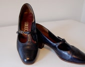 Vintage Black Ladies Kitten Heels // School Style // Size 6-6.5 // Humane Society Donation