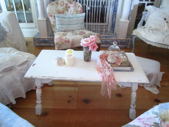 Vintage  white  coffee table shabby chic cottage chic chippy painted distressed
