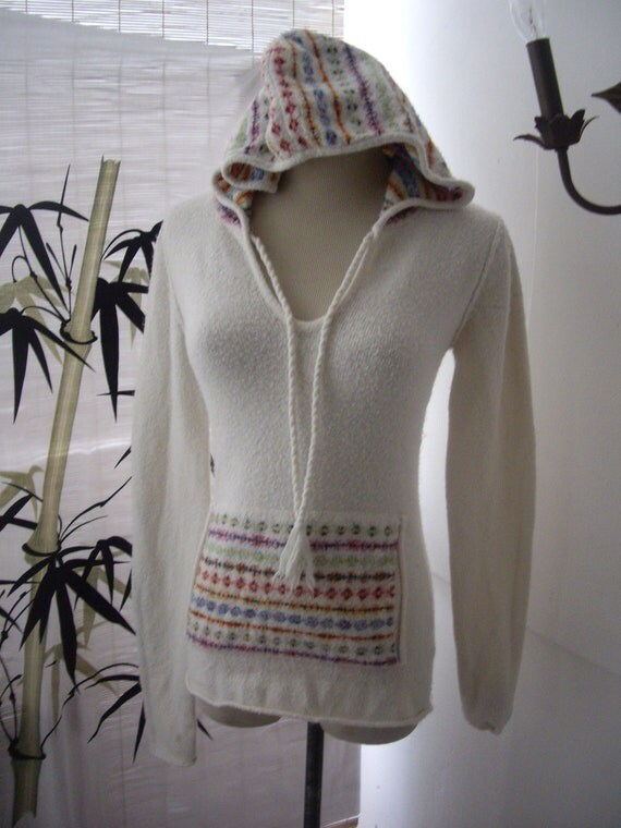RESERVED  womens hooded clingy bombshell pinup white tribal print sweater sz 9-10