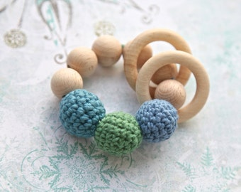 Teething toy with crochet blue, green and jeans blue wooden beads and 2 wooden rings. Wooden rattle. Gift for baby and mum.