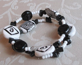 African Bracelet, Black and White African Kazuri Bangle Bracelet,Hand Crafted Ceramic Beads,African Design,One of a Kind