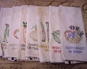 Vintage Dish Towel Days of the Week Kitchen Embroidery Towel  1006