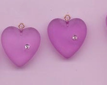 Five unusual and unusually beautiful vintage lucite heart pendants - 22 mm frosted violet purple hearts with embedded rhinestone