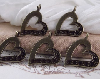 5pc. Sweet Heart Charms --- Antique Bronze Color --- CHM - 102