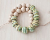Nursing necklace / Teething necklace / Crochet nursing necklace - Colormix green, yellow, beige, white
