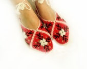 Valentines day gifts / Crochet slippers / Red home slippers, scarlet red women slippers / crochet socks, red home shoes
