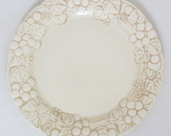 Poppytrail by Metlox Vernon Antique Grape White Salad Plate