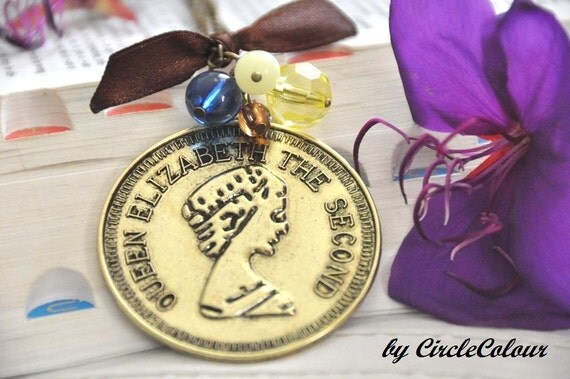Coin Necklace - Queen Elizabeth Coin Necklace -  Bronze Chain Long Necklace