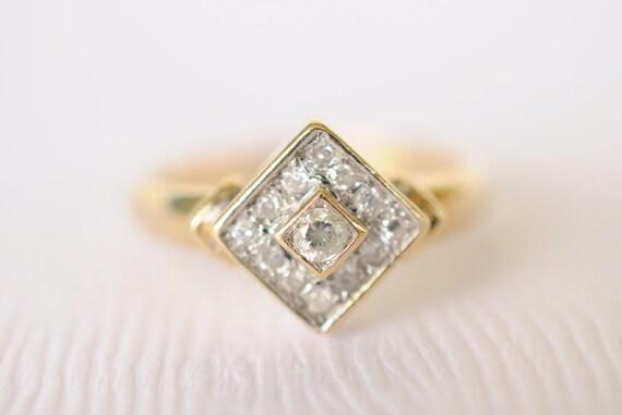 1970s vintage / Diamond 9k solid gold ring // GEOMETRICAL