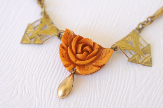 1930s Art Deco brass jewelry / Rose Bakelite necklace // BUTTERSCOTCH