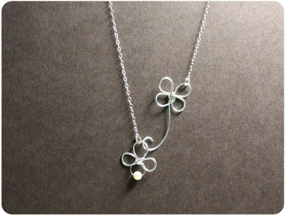 Four Leaf Clover - Sterling Silver Pendant Necklace w/ Fresh Water Pearl