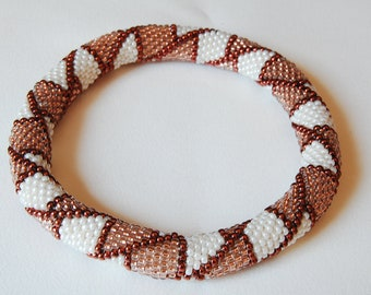 Bead Crochet Bangle: Offset Boxes