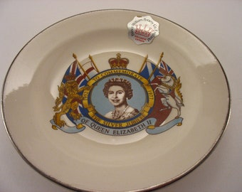 Queen Elizabeth II Silver Jubilee Plate Prince William Pottery Co. Exclusive Edition 1977 Made in England Original Label