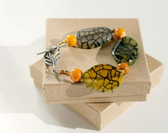 Beaded Bracelet, Green and Amber Beaded Bracelet with Amber Swirl Glass Beads and Leaf Toggle Clasp
