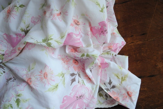 Vintage Fitted Double Bed Sheet : Floral Pinks