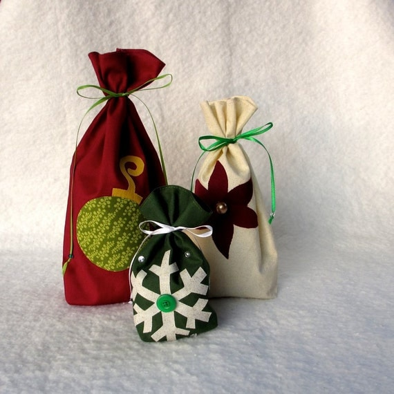 Reusable Gift Bag Fabric Gift Bag Christmas by TwiggyandOpal