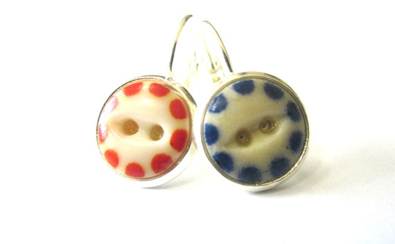 BOISE STATE antique button earrings, 1800s buttons. Go  BRONCOS