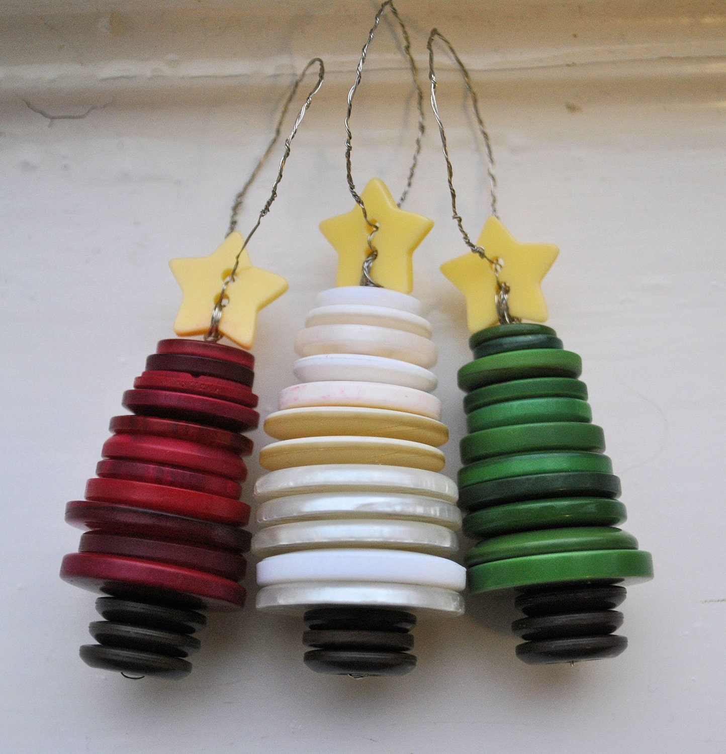 Recycled Plastic Christmas Tree: Recycled Button Christmas Tree Ornaments