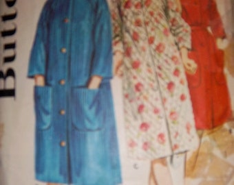 Vintage 1960's Butterick Pattern 2887 Raglan Sleeve Bathrobe Used