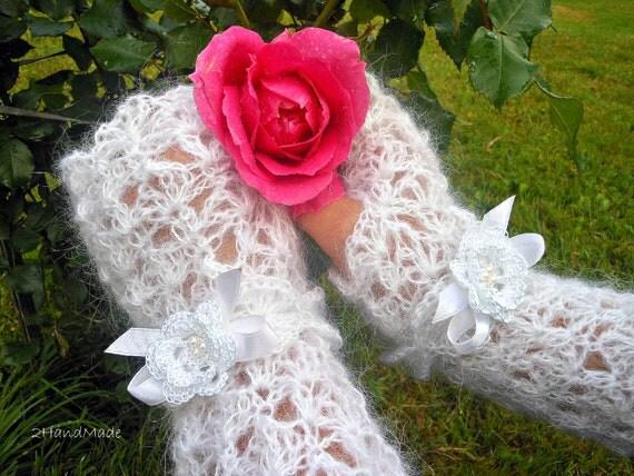 Wedding Lace Crochet Long Fingerless Gloves Hand Warmers Soft Romantic Vintage White Fluffy Mohair removable bracelet
