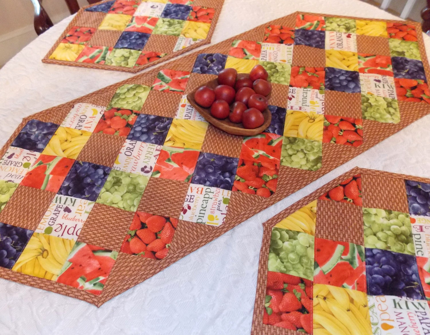 Table runner quilt fruit basket topper centerpiece