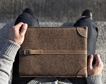 "MacBook Pro 13"" Retina Sleeve/ Case/ Cover - Vegetable Tanned Italian Leather and Merino Wool Felt, Deep Caramel Brown"