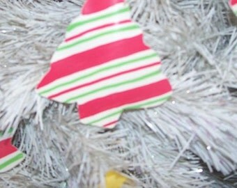 Striped Christmas Tree Ornaments Set of 6 Recycled Painted Record Vinyl Holiday XMAS Decor White Red Green Stripes Trees Yellow Ribbon