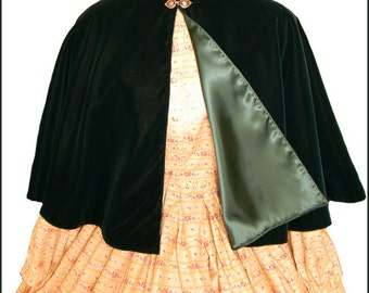 1800's Civil War Victorian Green Velvet Cape Cloak Beautiful