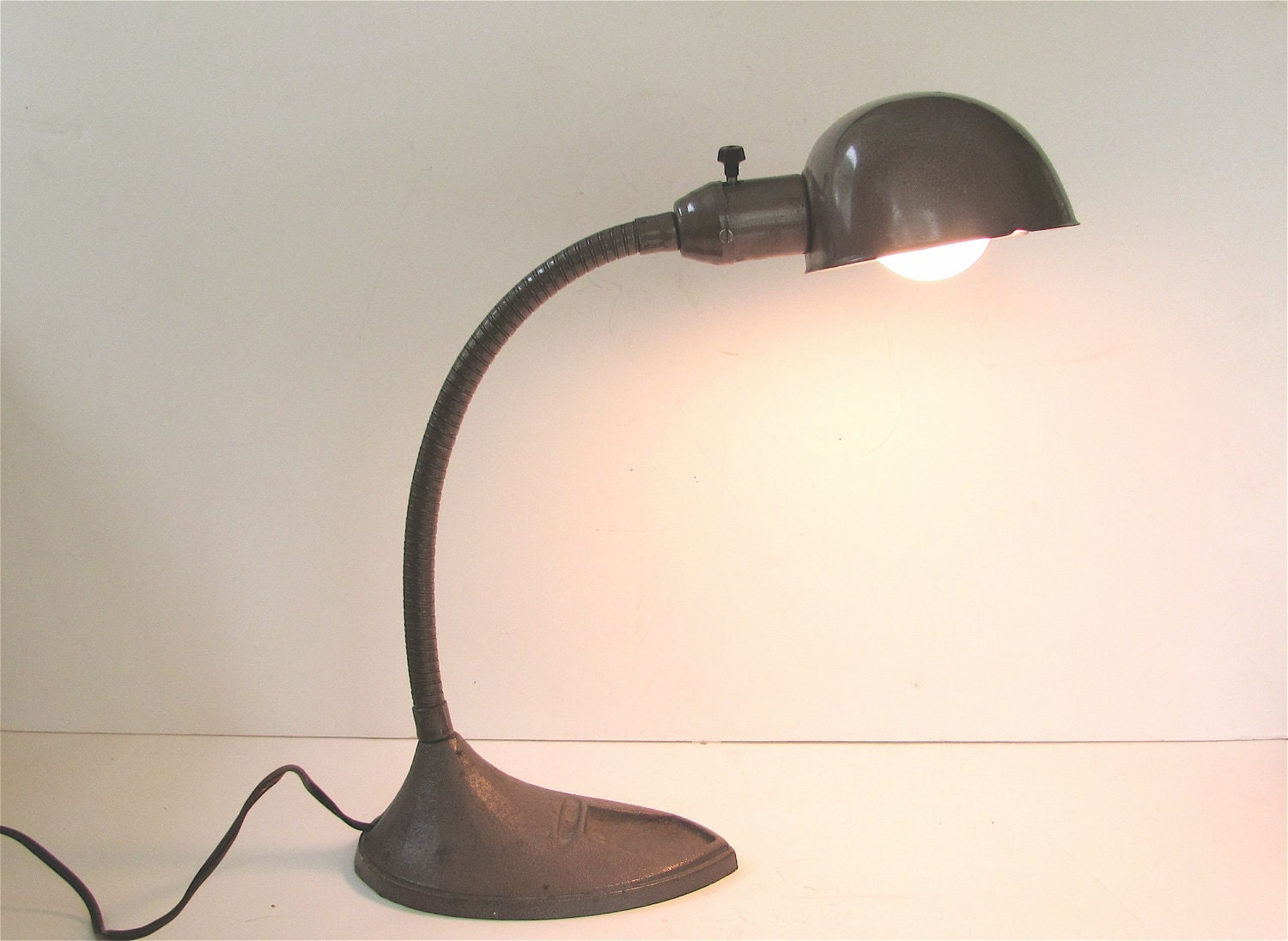 Vintage Industrial Desk Lamp Gooseneck With Clamshell Style
