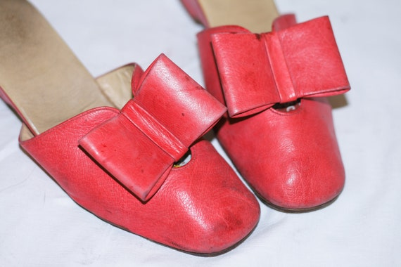 RESERVED TO MARICA Fashion 70s Cherry Leather Shoes, Big Bow Front.