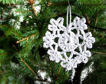Set of 6 delicate white Christmas handmade crochet Snowflake Ornaments.