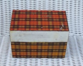 Tin red plaid recipe box checked  Red black and white Plaid checked