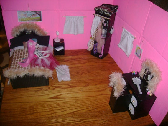 monster high doll bedroom play set by princesssilva on etsy. Black Bedroom Furniture Sets. Home Design Ideas
