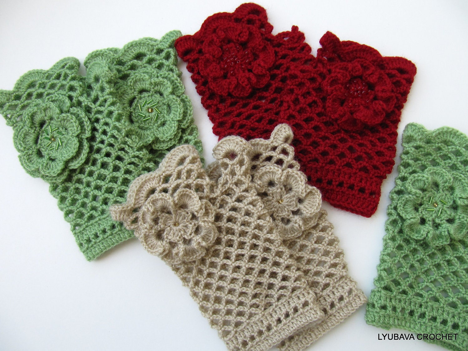Crochet Gloves : CROCHET PATTERN Womens Fingerless Gloves by LyubavaCrochet