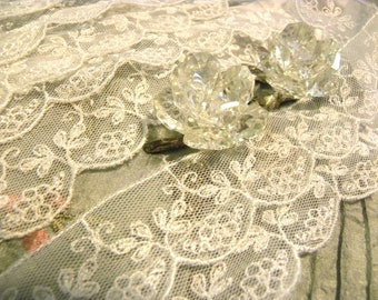 "1 Yard Gorgeous Vintage Victorian French White Scalloped Net Embroidered Lace Trim 1 1/8"" W  Bridal/ Wedding/ Embellishment"
