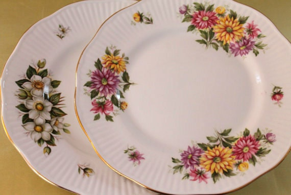 Set of 2 Vintage Royal Dover Porcelain Luncheon Plates...Fine Bone China...Made in England