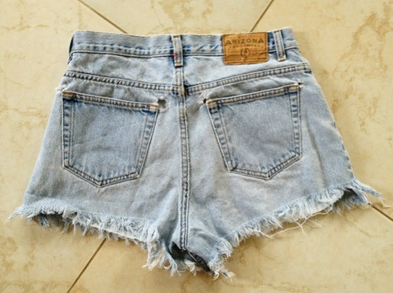 Size 30 Vintage High Waisted Cutoff Jeans Short