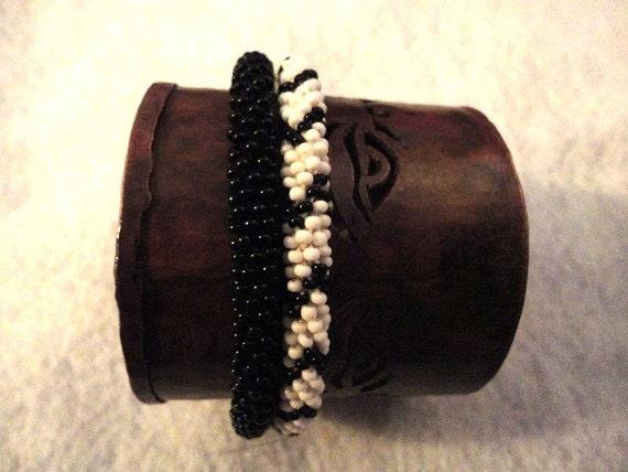 Crochet beaded bracelets set - gorgeous black and white beaded bracelets