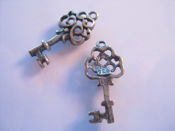 1 Sterling Silver 925 Key charm--20mm x 9mm--Ornate skeleton key, great for charm bracelets