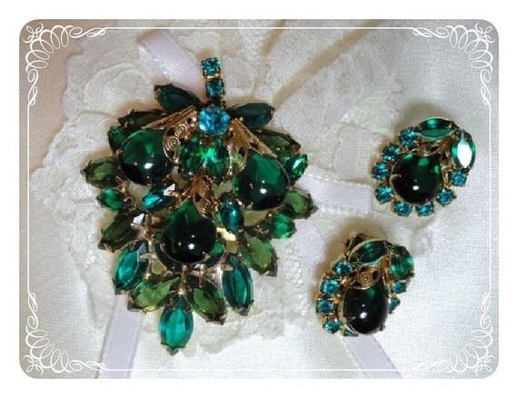 Green Rhinestone Leaf Brooch & Earring Set - Vintage Demi Parure  1496ag-012312000